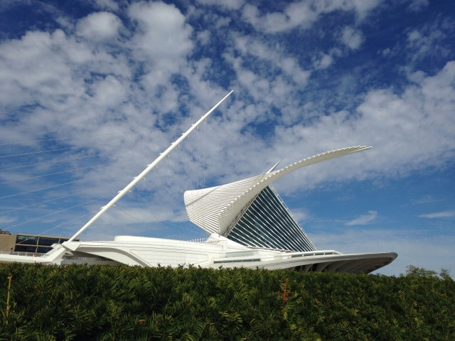 Milwaukee Art Museum Calatrava addition with blue sky and clouds