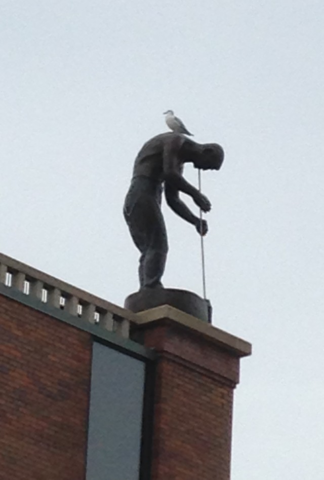 Grohmann statue with seagull