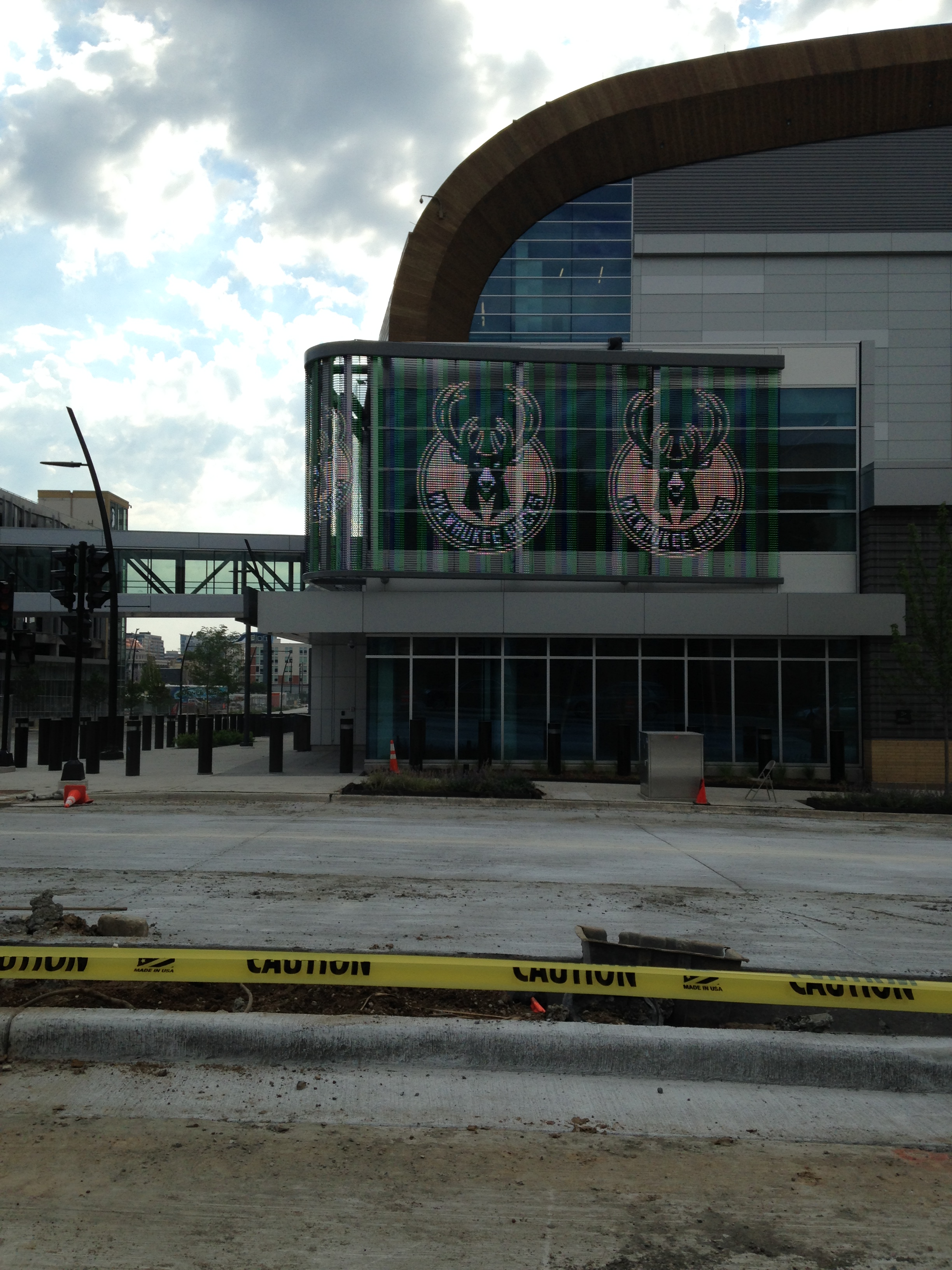New Milwaukee Bucks Arena – Entrance at Juneau and 6th   Katherine ...